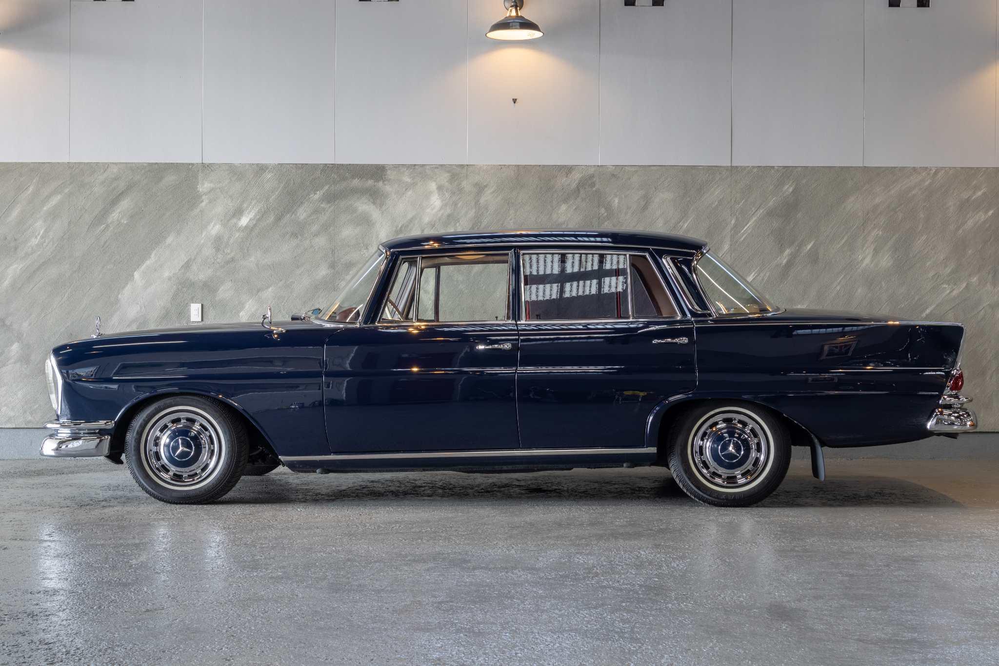 1968 年 メルセデスベンツ230S