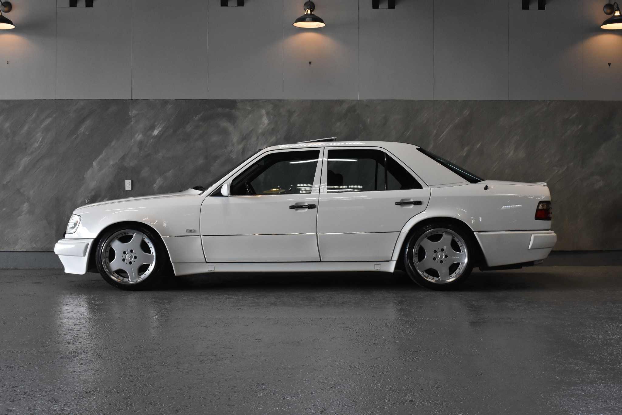 1994 年 メルセデス・ベンツ AMG E60